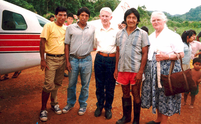 Rachel Saint posses with Waorani men from Toñompade, and visiting rocket-scientist, Jerry.
